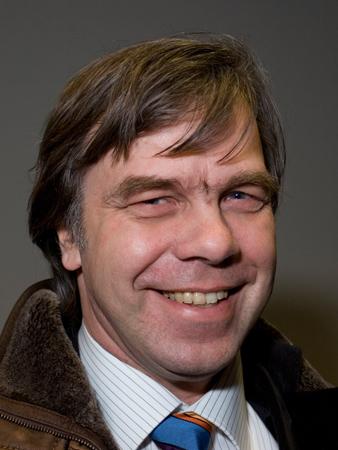 Dr. Bernhard Schäpertöns